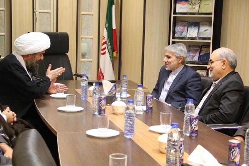دیدار و گفتگوی آقای دکتر نوبخت با آیت الله هادوی تهرانی